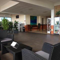 Отель Tahiti Airport Motel интерьер отеля