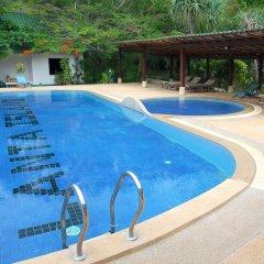 Отель Lanta Island Resort бассейн
