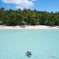 Отель Bora Bora Pearl Beach Resort and Spa Французская Полинезия, Бора-Бора - отзывы, цены и фото номеров - забронировать отель Bora Bora Pearl Beach Resort and Spa онлайн пляж