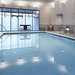 Отель Marriott Columbus University Area бассейн