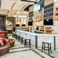 Отель TRYP By Wyndham Times Square South гостиничный бар
