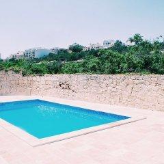 Inhawi Hostel бассейн фото 2