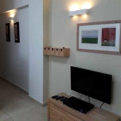 Апартаменты KAV Apartments-Ichilov Zikhron Yaakov St Тель-Авив комната для гостей фото 5