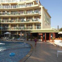 Отель Sunny Holiday Болгария, Солнечный берег - 1 отзыв об отеле, цены и фото номеров - забронировать отель Sunny Holiday онлайн бассейн фото 2
