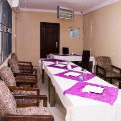 Отель Maxton Suites Magodo питание фото 2