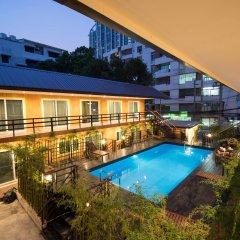 Отель Resort M - MRT Huai Kwang Таиланд, Бангкок - отзывы, цены и фото номеров - забронировать отель Resort M - MRT Huai Kwang онлайн балкон
