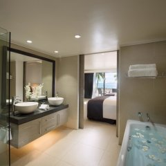 DoubleTree Resort by Hilton Hotel Fiji - Sonaisali Island ванная