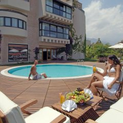 Limak Limra Hotel & Resort бассейн