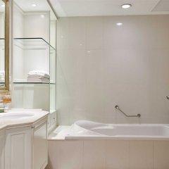 Отель Grande Centre Point Hotel Ratchadamri Таиланд, Бангкок - 1 отзыв об отеле, цены и фото номеров - забронировать отель Grande Centre Point Hotel Ratchadamri онлайн ванная