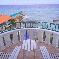 Отель Franklyn D. Resort & Spa All Inclusive Ямайка, Ранавей-Бей - отзывы, цены и фото номеров - забронировать отель Franklyn D. Resort & Spa All Inclusive онлайн балкон