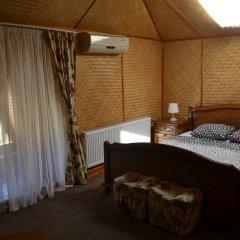 Гостиница Zakarpatska Kolyba комната для гостей фото 5