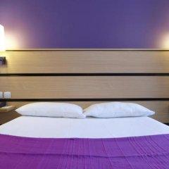 Отель Kyriad Paris 10 - Canal Saint Martin - République 3* Стандартный номер с различными типами кроватей фото 5
