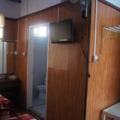 Отель Sin Yaw Guest House сейф в номере