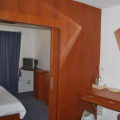 Отель Suriwongse Hotel Таиланд, Бангкок - отзывы, цены и фото номеров - забронировать отель Suriwongse Hotel онлайн сейф в номере