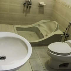 Regine Inn Hotel in Karachi, Pakistan from 43$, photos, reviews - zenhotels.com bathroom photo 2