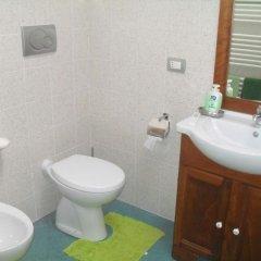 Отель Il Covo dei Piccioni Италия, Кастельфидардо - отзывы, цены и фото номеров - забронировать отель Il Covo dei Piccioni онлайн ванная