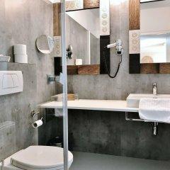 Отель Bergland Hotel Австрия, Зальцбург - отзывы, цены и фото номеров - забронировать отель Bergland Hotel онлайн ванная фото 2