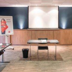 Отель Ibis Lyon Centre Perrache Франция, Лион - 1 отзыв об отеле, цены и фото номеров - забронировать отель Ibis Lyon Centre Perrache онлайн спортивное сооружение