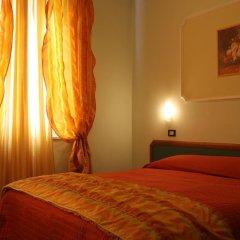 Hotel La Torre Римини сейф в номере
