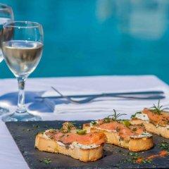 Отель Oasis Beach Hotel Греция, Агистри - отзывы, цены и фото номеров - забронировать отель Oasis Beach Hotel онлайн приотельная территория