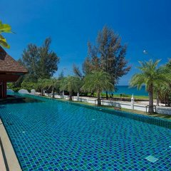 Отель Maikhao Palm Beach Resort бассейн фото 4