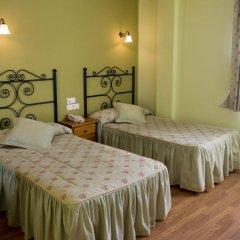 Hotel Alpina Вильянуэва-де-Ароса комната для гостей фото 4