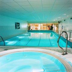 Отель Holiday Inn Edinburgh бассейн