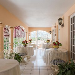 Отель Gibbs Chateau Ямайка, Монтего-Бей - отзывы, цены и фото номеров - забронировать отель Gibbs Chateau онлайн помещение для мероприятий