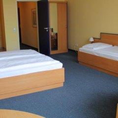 Отель Sedes сейф в номере