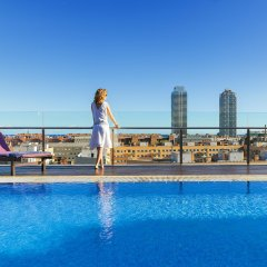Отель H10 Marina Barcelona бассейн