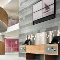 Отель Aloft London Excel Великобритания, Лондон - отзывы, цены и фото номеров - забронировать отель Aloft London Excel онлайн интерьер отеля фото 3