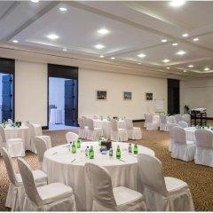 Отель The Ajman Palace