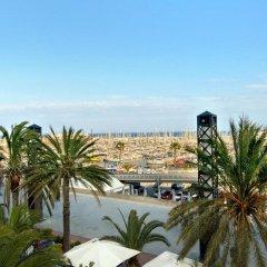 Отель Hilton Barcelona пляж