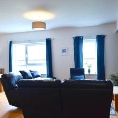Отель Beautiful Edinburgh Flat With 2 Double Bedrooms Великобритания, Эдинбург - отзывы, цены и фото номеров - забронировать отель Beautiful Edinburgh Flat With 2 Double Bedrooms онлайн комната для гостей фото 3
