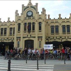 Up Station Hostel Валенсия спортивное сооружение