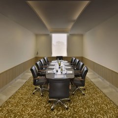 Отель Four Points by Sheraton New Delhi, Airport Highway