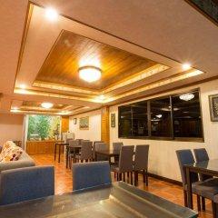 Surin Sunset Hotel гостиничный бар