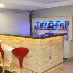 Eleven Hotel Чешме гостиничный бар