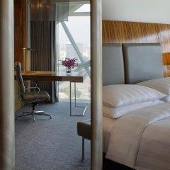 Отель Andaz Capital Gate Abu Dhabi – a concept by Hyatt комната для гостей