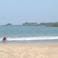 Отель Sandalwood Hotel & Retreat Индия, Гоа - отзывы, цены и фото номеров - забронировать отель Sandalwood Hotel & Retreat онлайн пляж