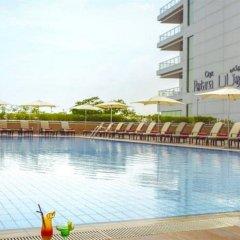 Отель Oryx Rotana бассейн фото 3