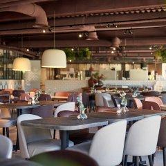 Отель Corendon Village Hotel Amsterdam Нидерланды, Бадхевердорп - отзывы, цены и фото номеров - забронировать отель Corendon Village Hotel Amsterdam онлайн гостиничный бар