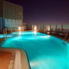 Отель Pearl Park Inn бассейн