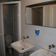 Anzac House Youth Hostel Турция, Канаккале - отзывы, цены и фото номеров - забронировать отель Anzac House Youth Hostel онлайн ванная фото 2