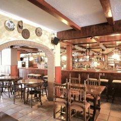 Отель Hostal Isabel Испания, Бланес - отзывы, цены и фото номеров - забронировать отель Hostal Isabel онлайн гостиничный бар