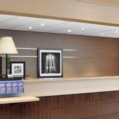 Отель Hampton Inn Manhattan-Times Square North США, Нью-Йорк - 1 отзыв об отеле, цены и фото номеров - забронировать отель Hampton Inn Manhattan-Times Square North онлайн интерьер отеля фото 2