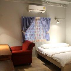 Kinnon Hostel Бангкок комната для гостей