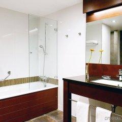 Отель New Hotel Charlemagne Бельгия, Брюссель - отзывы, цены и фото номеров - забронировать отель New Hotel Charlemagne онлайн ванная