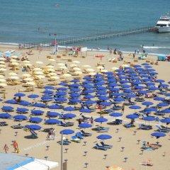 Отель Grand Meeting Италия, Римини - отзывы, цены и фото номеров - забронировать отель Grand Meeting онлайн пляж фото 3
