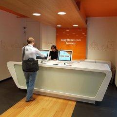 Отель easyHotel Brussels City Centre Бельгия, Брюссель - отзывы, цены и фото номеров - забронировать отель easyHotel Brussels City Centre онлайн интерьер отеля